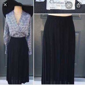 🆕👗gorgeous vintage DIOR midi black skirt